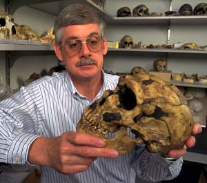 Trinkus with Neandertal skull.