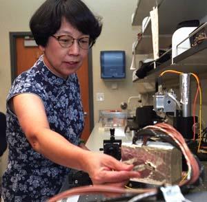 Alian Wang in the laboratory