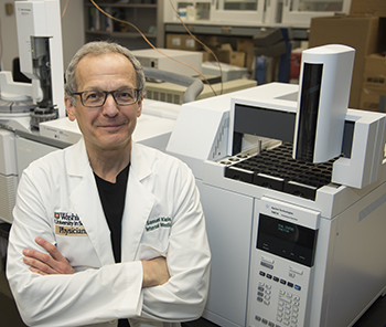 Samuel Klein, MD (pictured), Elisa Fabbrini, MD, PhD, and colleagues found that some obese people are protected from developing unhealthy metabolic profiles linked to diabetes and heart disease even when they gain additional weight.