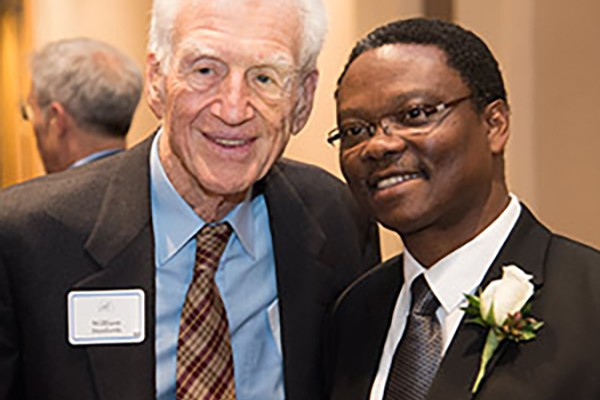 Achilefu receives prestigious St. Louis Award ​​​