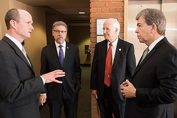 Alzheimer's research, need for funding highlighted during Blunt visit
