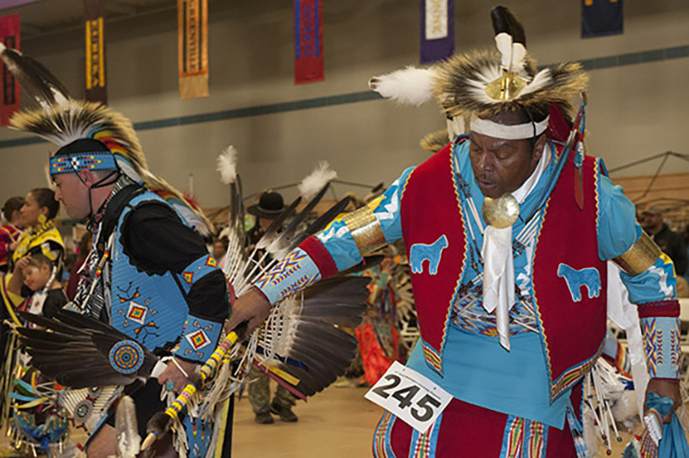 Native American dancers at the 2015 Pow Wow. (Photo: Sid Hastings/Washington University)