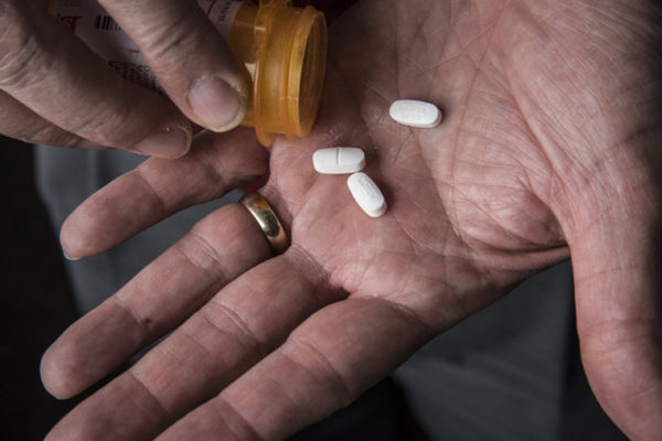 WashU Expert: More must be done to address opioid crisis