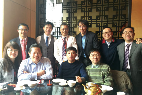 Business leader Thomas Cheong (second from left, front row) with other EMBA classmates