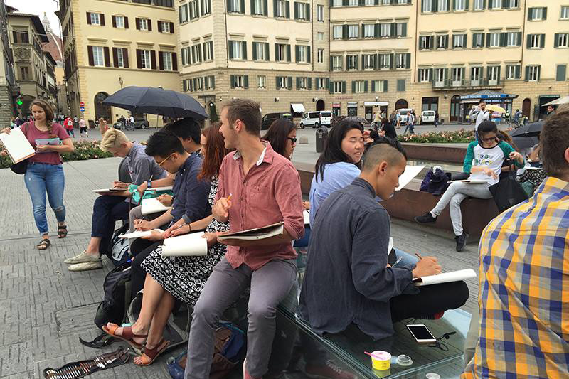 students drawing in Florence