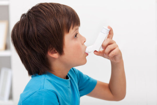 A new study in young children with mild asthma shows that compared with ibuprofen, acetaminophen does not worsen asthma symptoms. Some earlier studies have suggested that acetaminophen may exacerbate asthma symptoms in children.