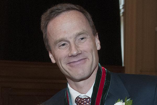 McCarthy wins G. de B. Robinson Award