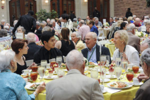 Chancellor's Luncheon (Crowder Courtyard in Anheuser-Busch Hall), May 20, 2017. (Joe Angeles/WUSTL Photos)