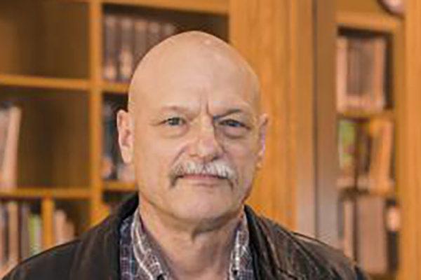 Robert Criss, professor of Earth & Planetary Sciences