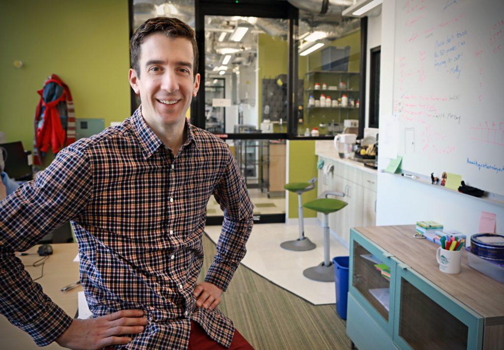 Keith Hengen in his lab