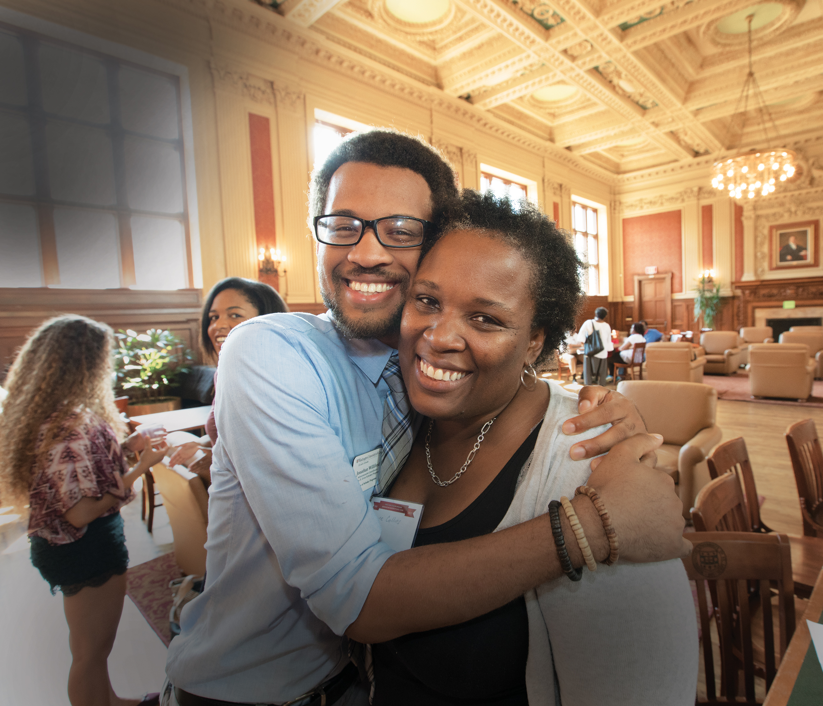 Jonathan Williford, AB '16, and his mother, Janine Collins, were among the 500 attendees participating in the Ervin Scholars Program's anniversary events in fall 2017. (Joe Angeles/WUSTL Photo)