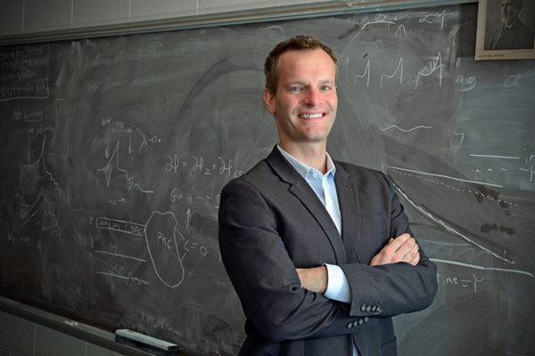 Chemist Barnes receives teacher-scholar award