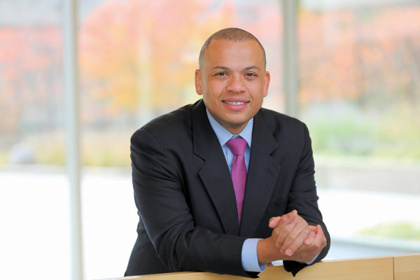 As city treasurer for Chicago, alumnus combines business and politics
