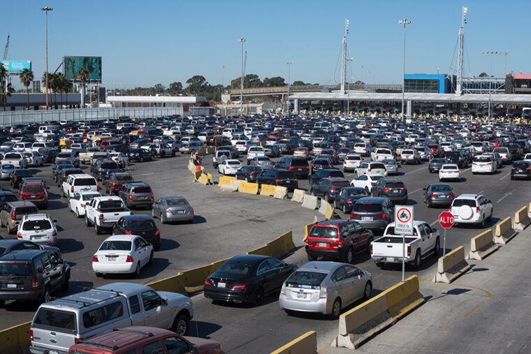 WashU Expert: Trump's border-closing threat enters 'murky' legal