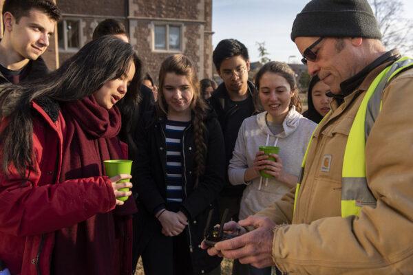 Students study bringing renewable energyhome