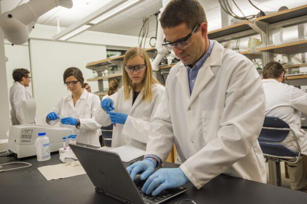 McKelvey School of Engineering debuts undergraduate environmental engineering degree