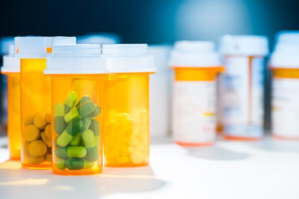 Medicare drug plan's design keeps federal subsidies in check