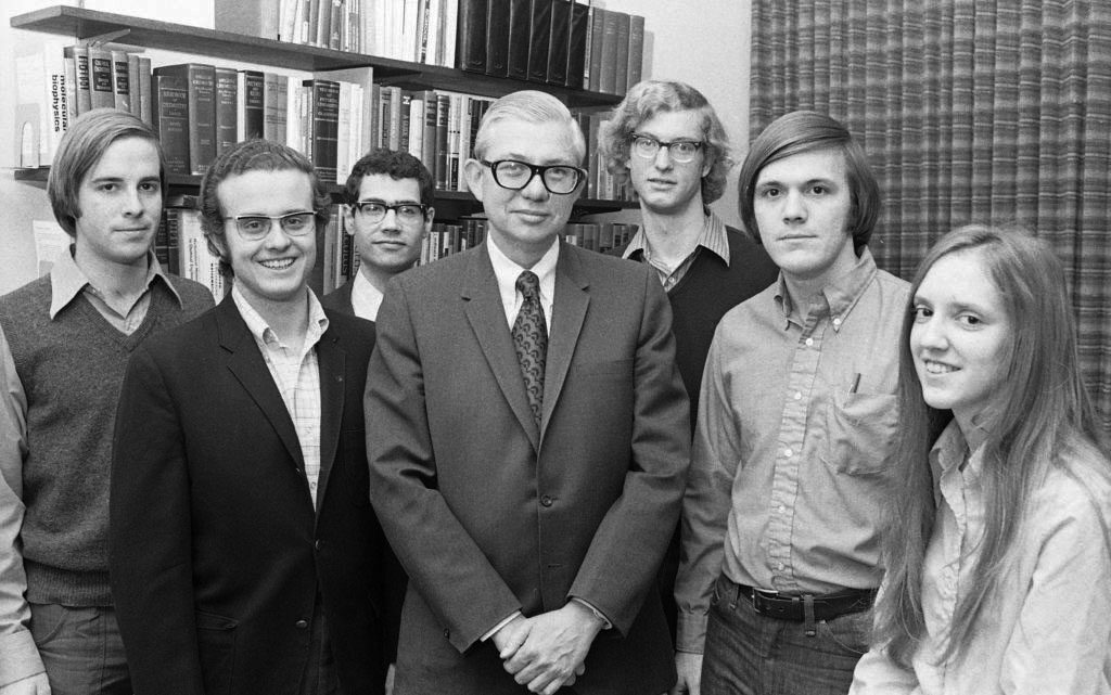 While dean of the engineering school, James McKelvey Sr. was instrumental in establishing the Langsdorf Scholarship, a merit-based fellowship that provides full tuition for engineering students showing exceptional academic promise. Here, he's pictured with a Langsdorf cohort in 1972. (Courtesy photo)