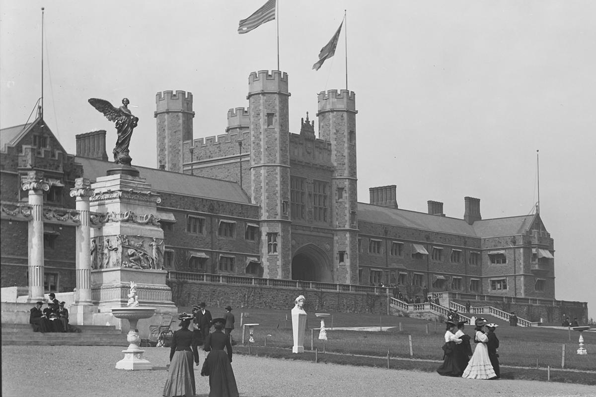 Brookings Hall around 1904
