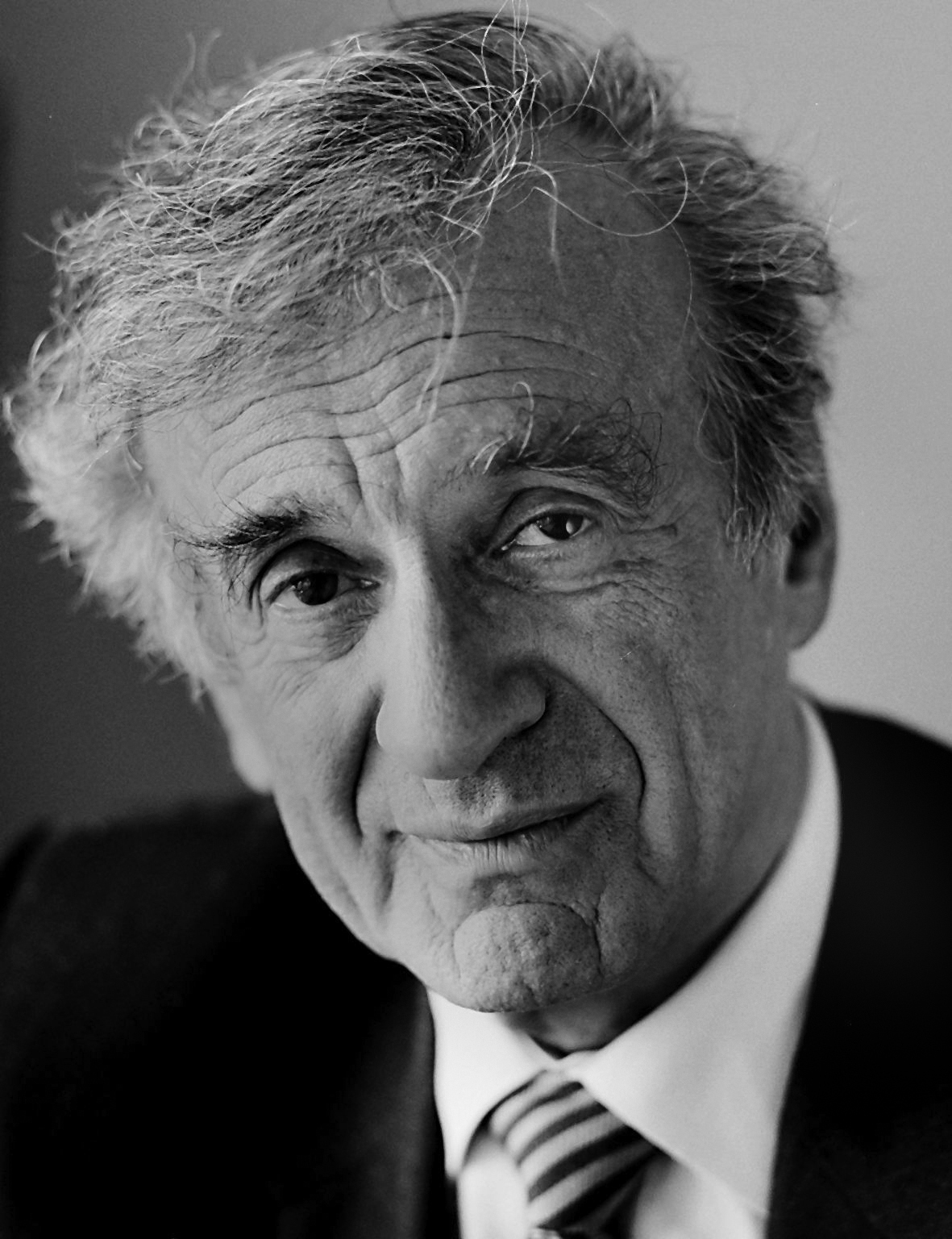 https://source.wustl.edu/wp-content/uploads/newsroom-archive/newsroom-publishing-images-archive/Elie%20Wiesel_high%20res.jpg